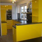 Žlutá kuchyň - lak IVE